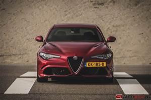 Alfa Romeo Giulia Quadrifoglio Occasion : alfa romeo giulia quadrifoglio rijtest en video ~ Gottalentnigeria.com Avis de Voitures