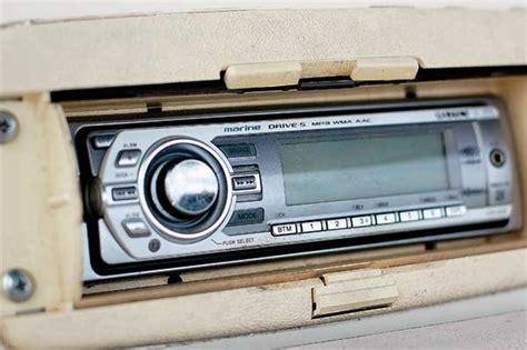 Boat Stereo by How To Install A Stereo Trailering Boatus Magazine