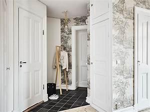 decoration scandinave en noir et blanc simplicite chic With porte d entrée alu avec carrelage sol noir salle de bain