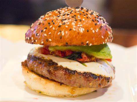 Tasty Burgers and Terrible Service at Gordon Ramsay BurGR ...
