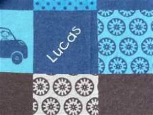 Babydecke Mit Namen Bestickt : namen bestickung decke karo motivmusterung blau ~ Watch28wear.com Haus und Dekorationen