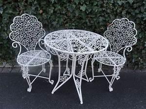 Gartentisch Mit 2 Stühlen : die besten 25 gartentisch mit st hlen ideen auf pinterest wohn m bel k chentisch ideen und ~ Frokenaadalensverden.com Haus und Dekorationen