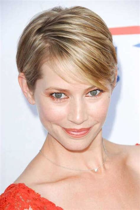 100 Best Short Haircuts For Round Faces And Thin Hair