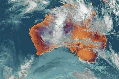 bureau cloud satellite weather map showing cloud band tasmania