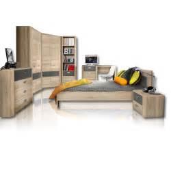 roller mã bel sofa funvit grau gelb muster in wandfarbe