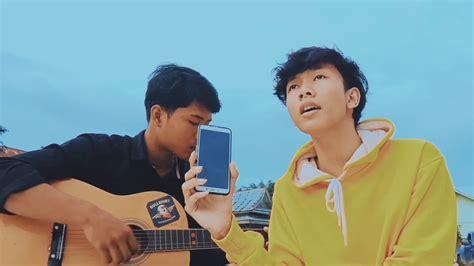 Kumpulan video klip lagu top hits adista baik youtube, dailymotion dll. AKU DAN DIA - ADISTA (COVER) RISWAN FT ZIELL - YouTube
