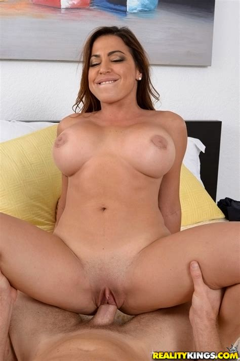 Busty Wife Is Cheating Quite Often Milf Fox