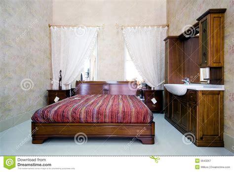 photographie à la chambre chambre à coucher en bois classique dans la salle d