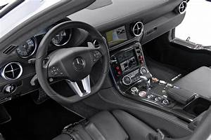 3b Auto : mercedes sls amg official f1 safety car interior eurocar news ~ Gottalentnigeria.com Avis de Voitures