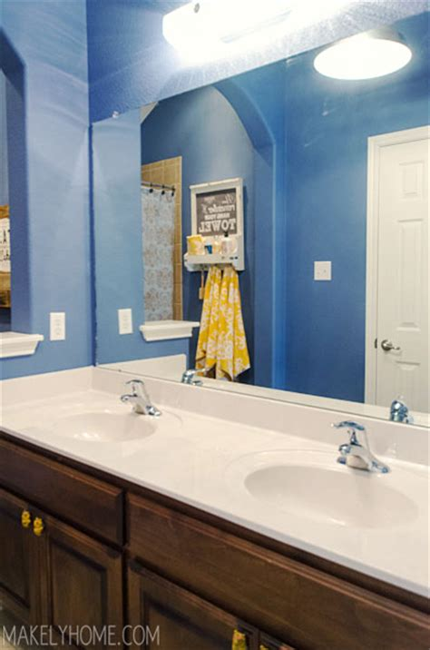 Upgrading A Bathroom Mirror With An Easy To Use Mirrormate