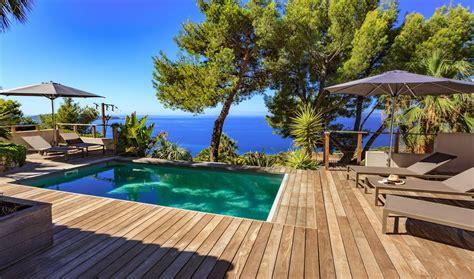 vaste maison contemporaine vue mer avec piscine chauff 233 e sud de la var 1389368 abritel