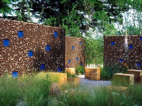 Red And White Kitchens Ideas - screening fence or garden wall 102 ideas for garden design interior design ideas ofdesign