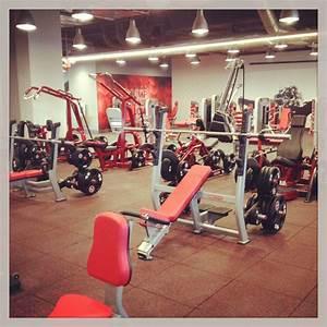 Hard Candy Fitness : first look at the hard candy fitness center in toronto madonnarama ~ Watch28wear.com Haus und Dekorationen