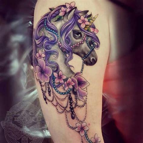 hermosos tatuajes de unicornios  mujeres tatuajes