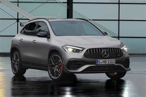 Mbux multimedia system, traffic sign assist. 2020 Mercedes-AMG GLA 45 S 4MATIC+ - Images ...