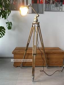 Stehlampe Dreibein Holz : jielde tripod stehlampe stehleuchte dreibein holz stativ ~ Pilothousefishingboats.com Haus und Dekorationen
