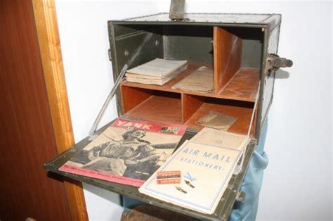 bureau central des archives militaires bureau de cagne et chaise pliante us matériels