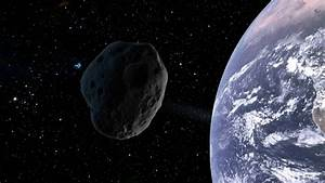 Asteroid '20 times closer than the Moon' just misses Earth