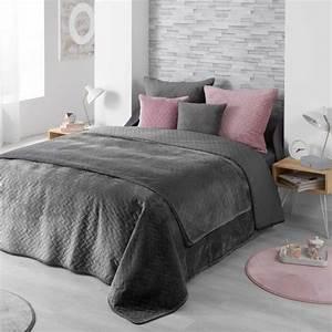 Couvre Lit Velours : couvre lit 220 x 240 cm bellanda gris anthracite linge de lit eminza ~ Teatrodelosmanantiales.com Idées de Décoration