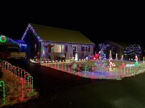 best way to set up christmas lights lancasterlights send us your photos of the best light displays lights
