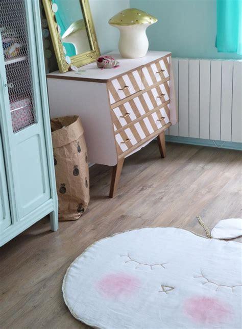 chambre pastel pomme de reinette et pomme tapis couture turbulences