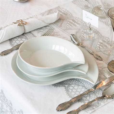 service de table design service de table 12 pi 232 ces en porcelaine blanc virgule lola assiettes delamaison ventes