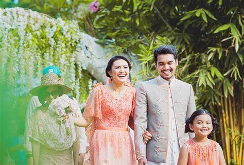konsep pernikahan kasual  suasana santai weddingkucom