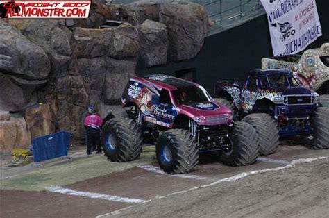 monster truck show in anaheim ca anaheim california monster jam january 13 2007