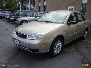 Ford Focus 2006 : pueblo gold metallic 2006 ford focus zx4 se sedan exterior ~ Melissatoandfro.com Idées de Décoration