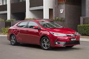 Toyota Corolla ZR sedan 2017 review | CarsGuide