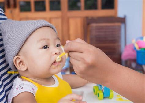 Untuk bayi usia 6 bulan, 7 bulan sampi 8 bulan sebaiknya buat makanan bayi yang sederhana dulu. Cara Membuat Bubur Susu Untuk Bayi Usia 6 Bulan