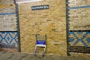 London Photo  Platform 9 3  4  Kings Cross Station
