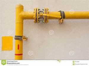 Tuyau De Gaz : tuyau de gaz jaune image stock image du usine ~ Melissatoandfro.com Idées de Décoration