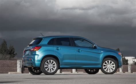 Mitsubishi Cuv Wallpapers And Images Wallpapers