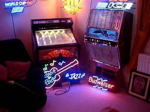 Neon Sign Room Rock ola 1422 playing Down Town Timz Jukes