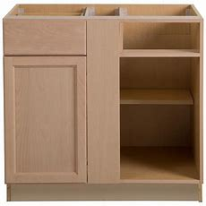 Hampton Bay Easthaven Assembled 18x90x24 In Pantry