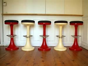 Tabouret Bar Vintage : tabouret de bar en pvc de couleur stools vintage jpg chaises tabourets lampes ~ Preciouscoupons.com Idées de Décoration