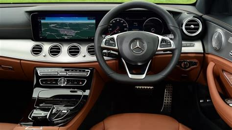 mercedes  class saloon  interior dashboard satnav