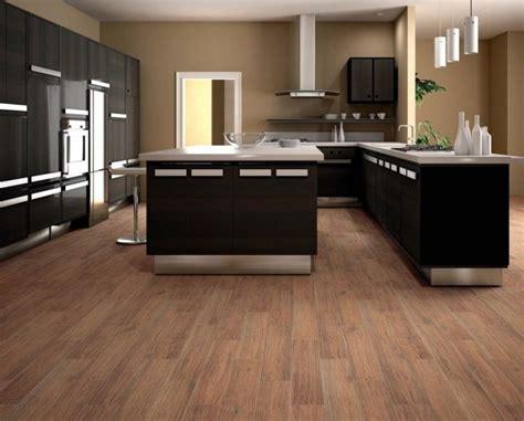 cuisine avec parquet carrelage imitation parquet idées pour l 39 intérieur moderne