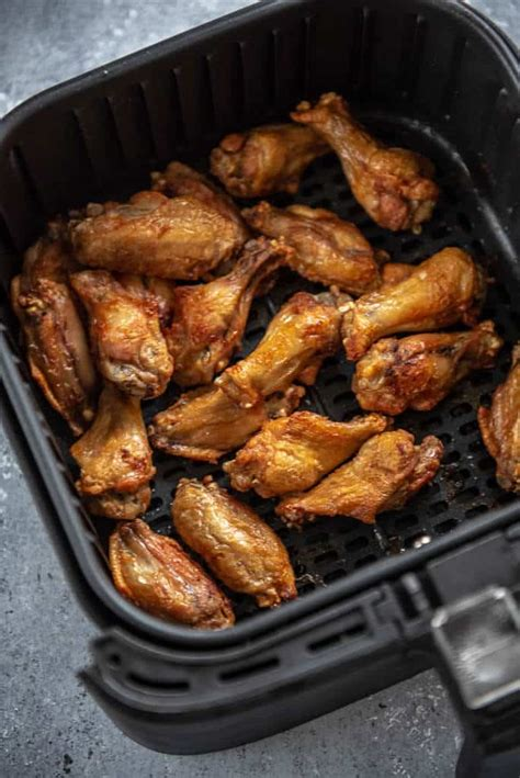 wings chicken air fryer garlic parmesan garnishedplate fry recipes cooked basket honey fried plate