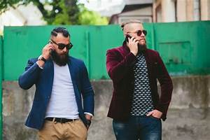 Stylish friends talking on the phone Photo | Free Download