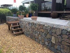 integrer le mur gabion comme element decoratif dans le jardin With amenagement exterieur maison moderne 9 mur gabion dans le jardin moderne un joli element fonctionnel