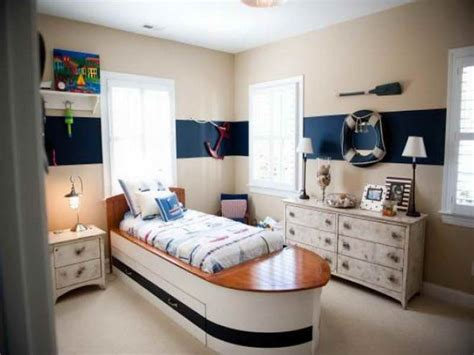 chic nautical themed bedroom with cream wall paint color