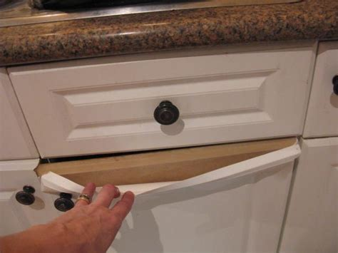 paint laminate kitchen cupboards  theyre