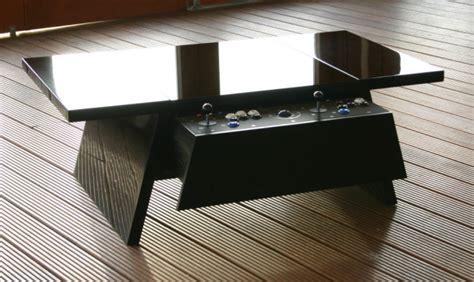 tables arcade des tables de salon qui renferment une
