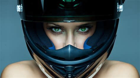 Motorcycle Helmet –difference Between Life And Death