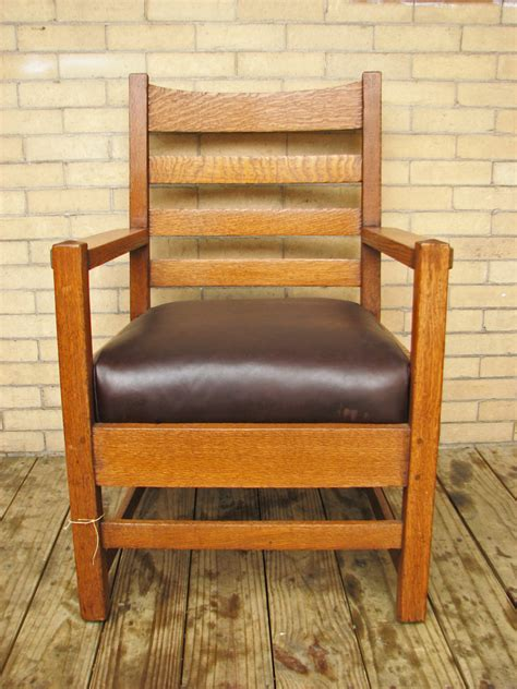gustav stickley early armchair  joenevo