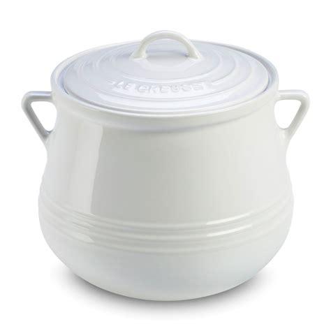le creuset stoneware heritage bean pot  quart white