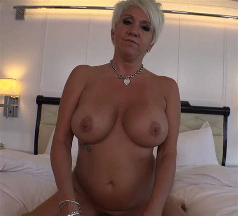 2 Porn Pic From Sexy Grey Haired Grannies S N°1 Sex