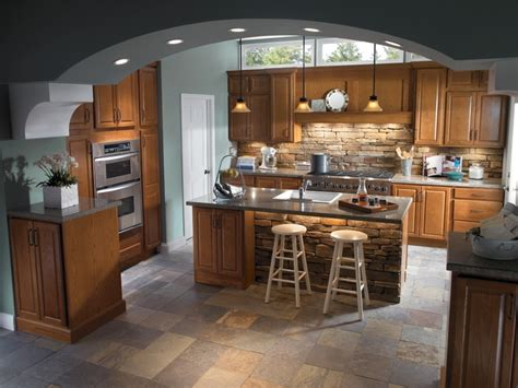 The Homecrest Square Heartland Oak Doors With A Sable